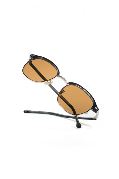 Globe Specs = The Barracks - The Liberators - Black/Silver