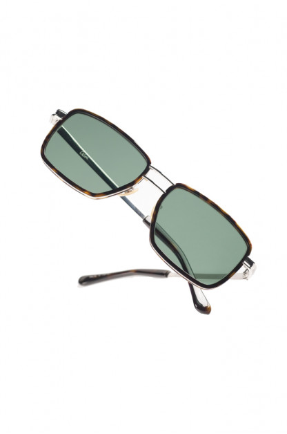 Self Edge x Globe Specs Cozumel Sunglasses - Tres