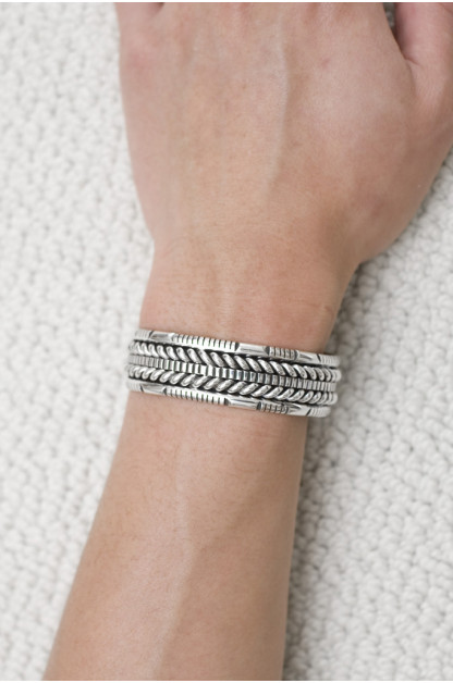 Wire Depth Bracelet
